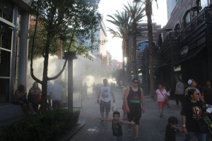 Walking through the cooling mists on the LINQ promenade.