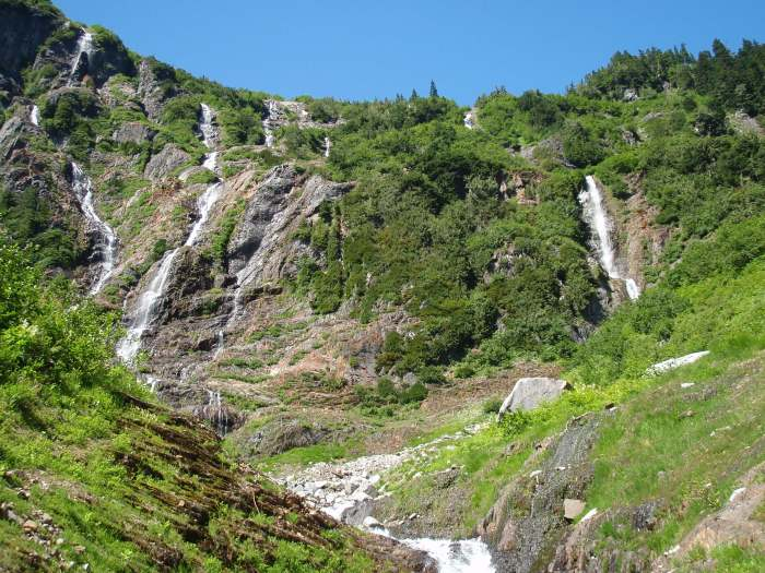 If successful, the trail would reveal a side of the Sunshine Coast unfamiliar to most residents, including a series of spectacular waterfalls between Pokosha Pass and Clowhom Valley.